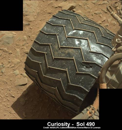 Марсоход раздавил статую. Ошибка или намеренное действие