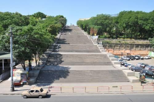 Потемкинской лестницей